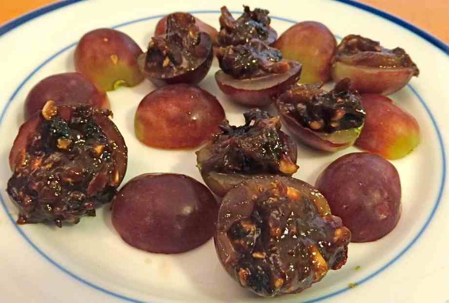 stuffed grapes 1